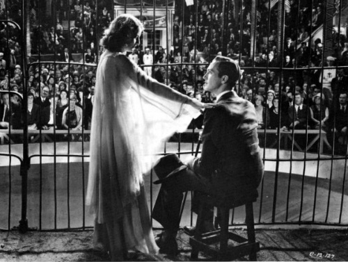 Barbara Stanwyck and David Manners in The Miracle Woman